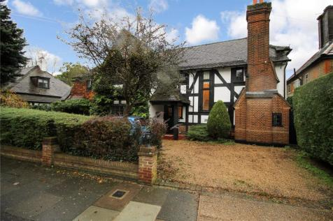 Heath Drive, Romford, RM2. 5 bedroom detached house for sale
