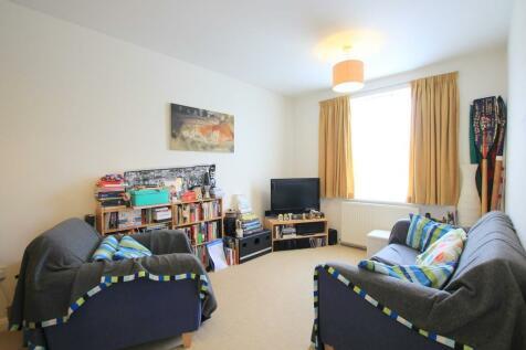 Haldon Road, London, SW18. 2 bedroom apartment