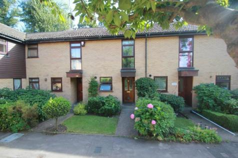 Knaphill. 2 bedroom terraced house