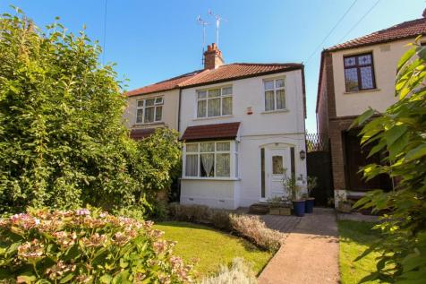 Kingston Lane, Uxbridge. 3 bedroom semi-detached house