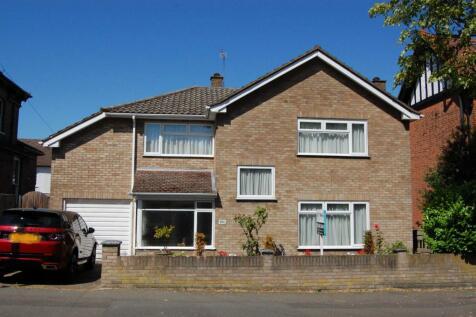 Queens Road, Buckhurst Hill, IG9 property
