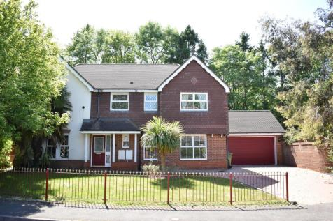 QUARRY GARDENS, ASHTEAD. 5 bedroom detached house for sale