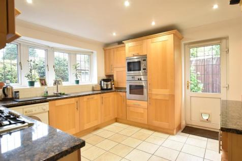 REDLEAF CLOSE, FETCHAM. 4 bedroom detached bungalow for sale