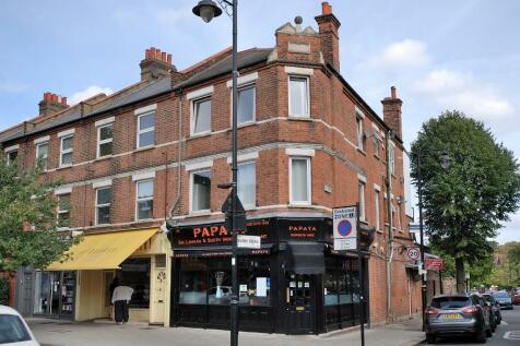 Elers Road, Ealing, London, W13 9QE. 4 bedroom flat