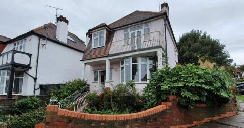 The Drive, Chalkwell, Westcliff-on-Sea, Essex, SS0 8PL. 3 bedroom detached house for sale