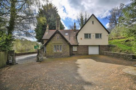 Snatchwood Road, Pontnewynydd, Pontypool. 5 bedroom detached house