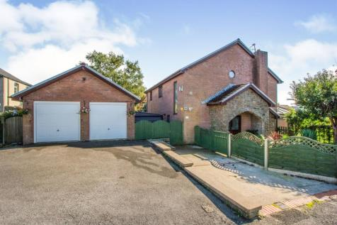 Neville Street, Garndiffaith, Pontypool. 4 bedroom detached house