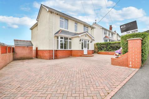 Cwrdy Road, Griffithstown, Pontypool. 5 bedroom detached house for sale