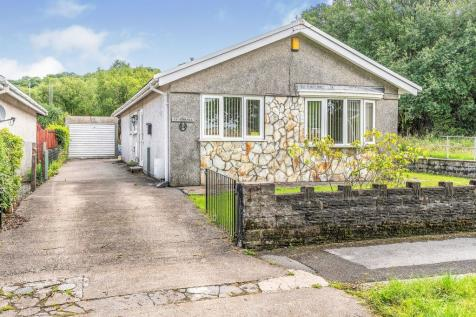 School Road, Crynant, Neath. 3 bedroom detached bungalow