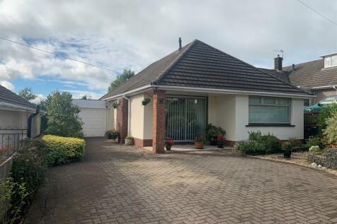 High Cross Lane, Rogerstone, Newport. 2 bedroom detached bungalow for sale