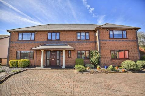 Maes Yr Haul Crossing, Cross Inn, Pontyclun. 5 bedroom detached house