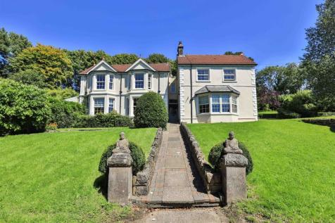 Old Llantrisant Road, Tonyrefail, Porth. 5 bedroom house