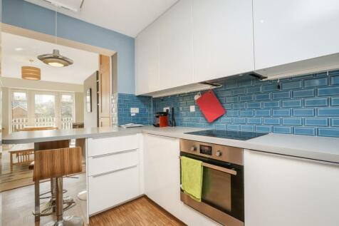 Great Suffolk Street, London SE1. 2 bedroom flat