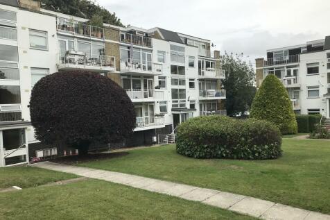 Shady Bower Close, Salisbury. 2 bedroom flat