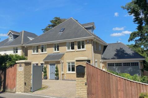43 Sandecotes Road, Lower Parkstone, Poole, BH14 8PA. 5 bedroom detached house