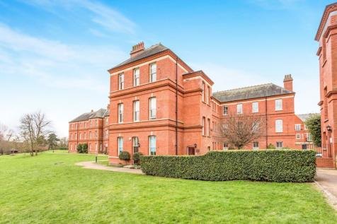 Brandesbury Square, Woodford, IG8. 2 bedroom apartment