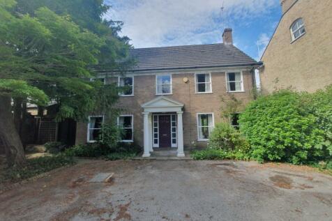 Linden Road, Bedford. 4 bedroom house