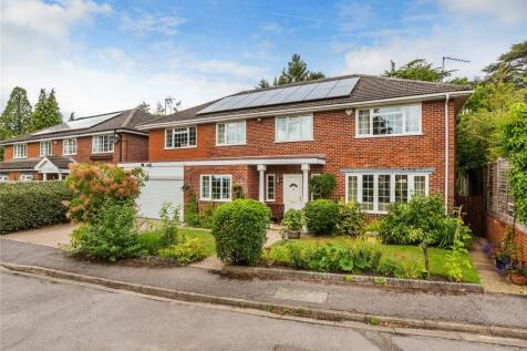 Woking, GU22. 5 bedroom detached house for sale