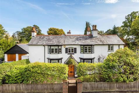 Hook Heath, Surrey, GU22. 5 bedroom detached house for sale