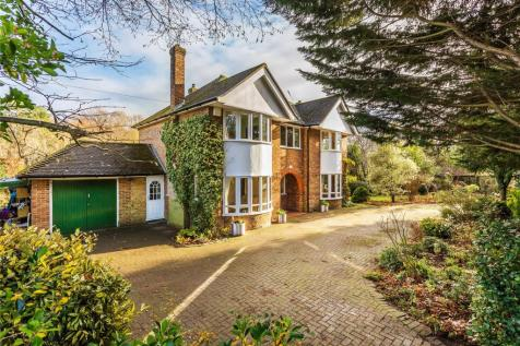 Horsell, Woking, Surrey, GU21. 4 bedroom detached house for sale