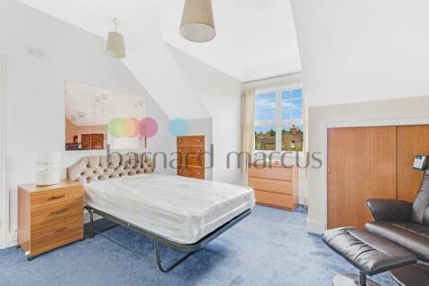 Newlands Park, LONDON. Studio apartment
