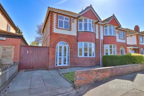Thelwall New Road, Grappenhall, Warrington. 3 bedroom detached house