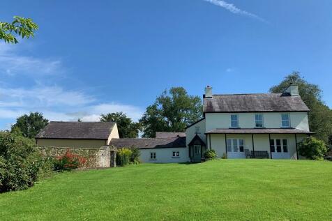 , Llandeilo, Carmarthenshire.. 6 bedroom detached house for sale