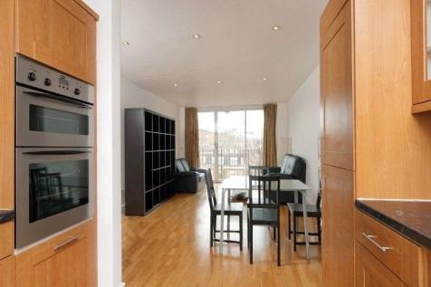 Fairfax Place, London, NW6. 2 bedroom flat