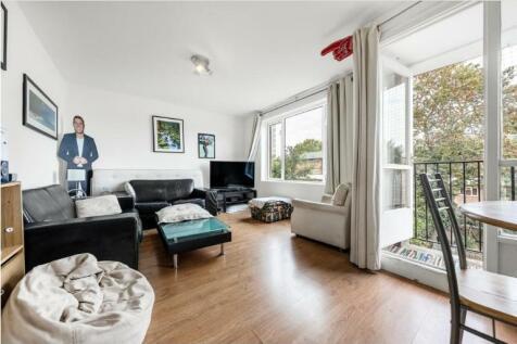 Morris House, SW4. 3 bedroom apartment