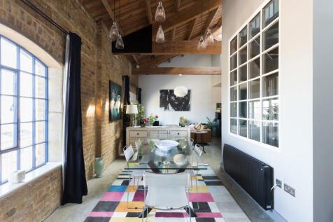 Warehouse W, Western Gateway, London E16. 2 bedroom flat for sale