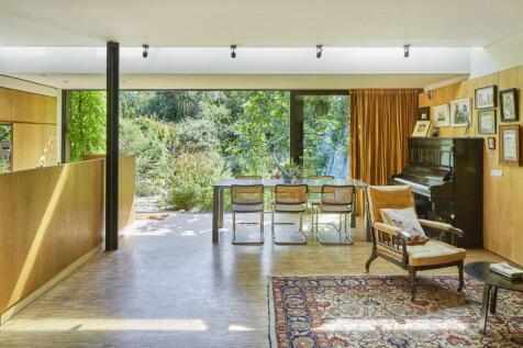 Aberdeen Park, London N5. 3 bedroom semi-detached house for sale