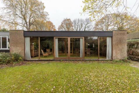 Doomsday Garden, Horsham, West Sussex. 4 bedroom detached house for sale