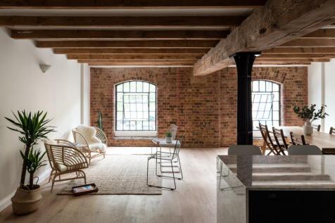 Warehouse K, Western Gateway, London E16. 2 bedroom flat for sale