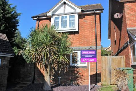 Chartwell Close, Seaford, BN25. 3 bedroom detached house for sale