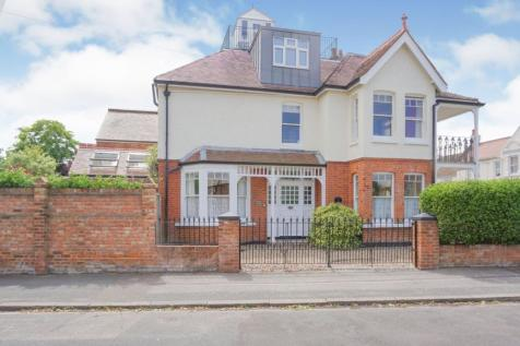 Seafield Road, Broadstairs, CT10. 5 bedroom semi-detached house for sale
