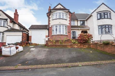 The Broadway, Dudley, DY1. 3 bedroom semi-detached house for sale