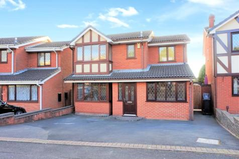 Fremont Drive, Milking Bank, DY1. 4 bedroom detached house