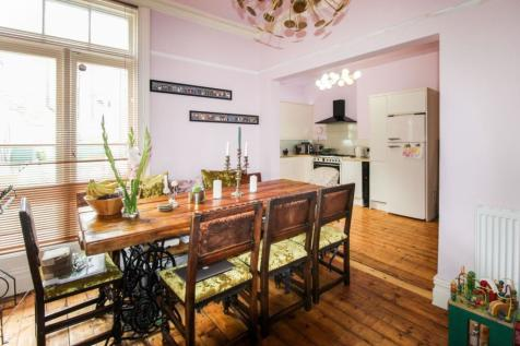Hampstead Road, Liverpool, L6. 4 bedroom terraced house