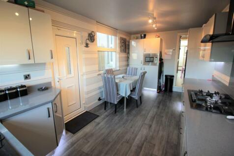 Jubilee Drive, Liverpool, L7. 4 bedroom terraced house