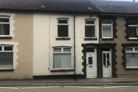 Main Road, Penrhiwceiber. 2 bedroom terraced house