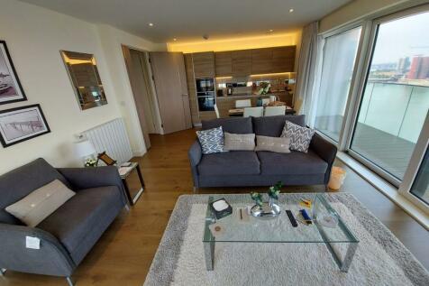 Hampton House, Royal Arsenal Riverside, Woolwich, London, SE18. 3 bedroom flat
