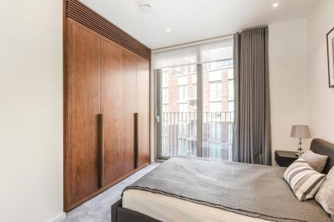 Capital Building, Embassy Gardens, SW11. 2 bedroom apartment