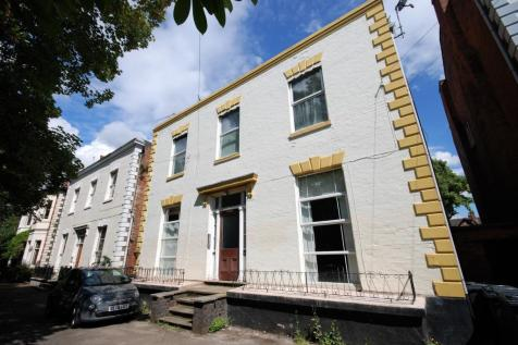 23, St Mary's Road, Leamington Spa, Warwickshire, CV31. 1 bedroom apartment