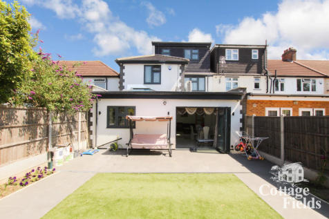 Clifford Avenue IG5. 5 bedroom terraced house