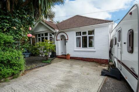 Sandringham Road, Bitterne Park, Southampton. 2 bedroom detached bungalow for sale