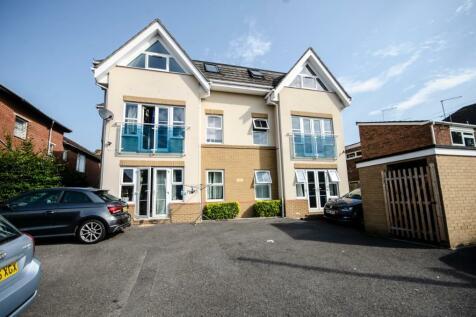 Millbrook Road East, Freemantle, Southampton. 2 bedroom apartment