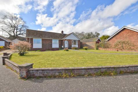 Regis Avenue, Beeston Regis, Sheringham. 4 bedroom detached bungalow
