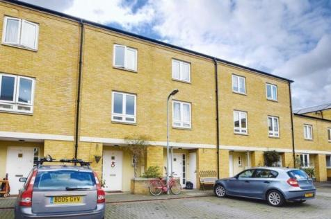 Blundell Close, London. 3 bedroom house