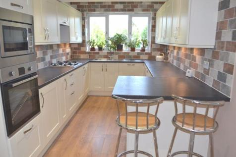 North Tonbridge. 5 bedroom semi-detached house for sale