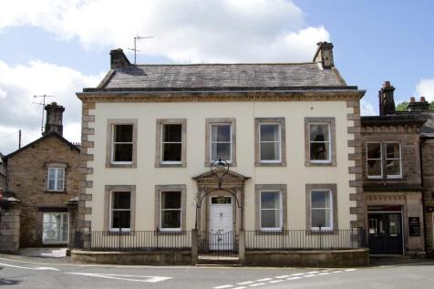 FOUNTAIN HOUSE, 8 BECK HEAD, KIRKBY LONSDALE, LA6 2AY. 7 bedroom town house for sale